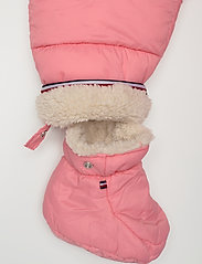 Tommy Hilfiger - BABY FLAG SKISUIT - thermo - rosey pink - 6