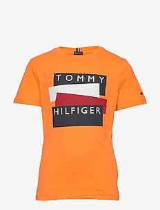 TOMMY HILFIGER STICKER TEE S/S - short-sleeved - sunset fruit