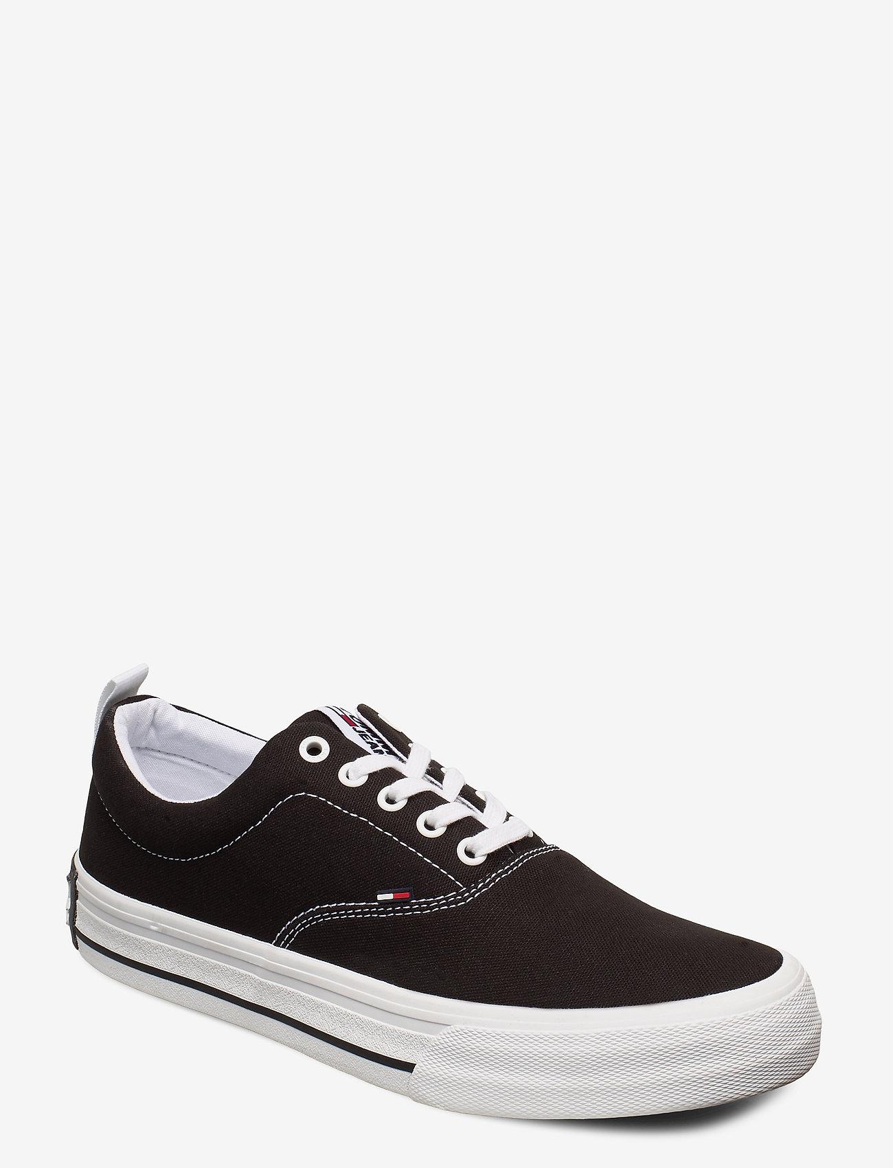 Classic Low Tommy Jeans Sneaker (Black