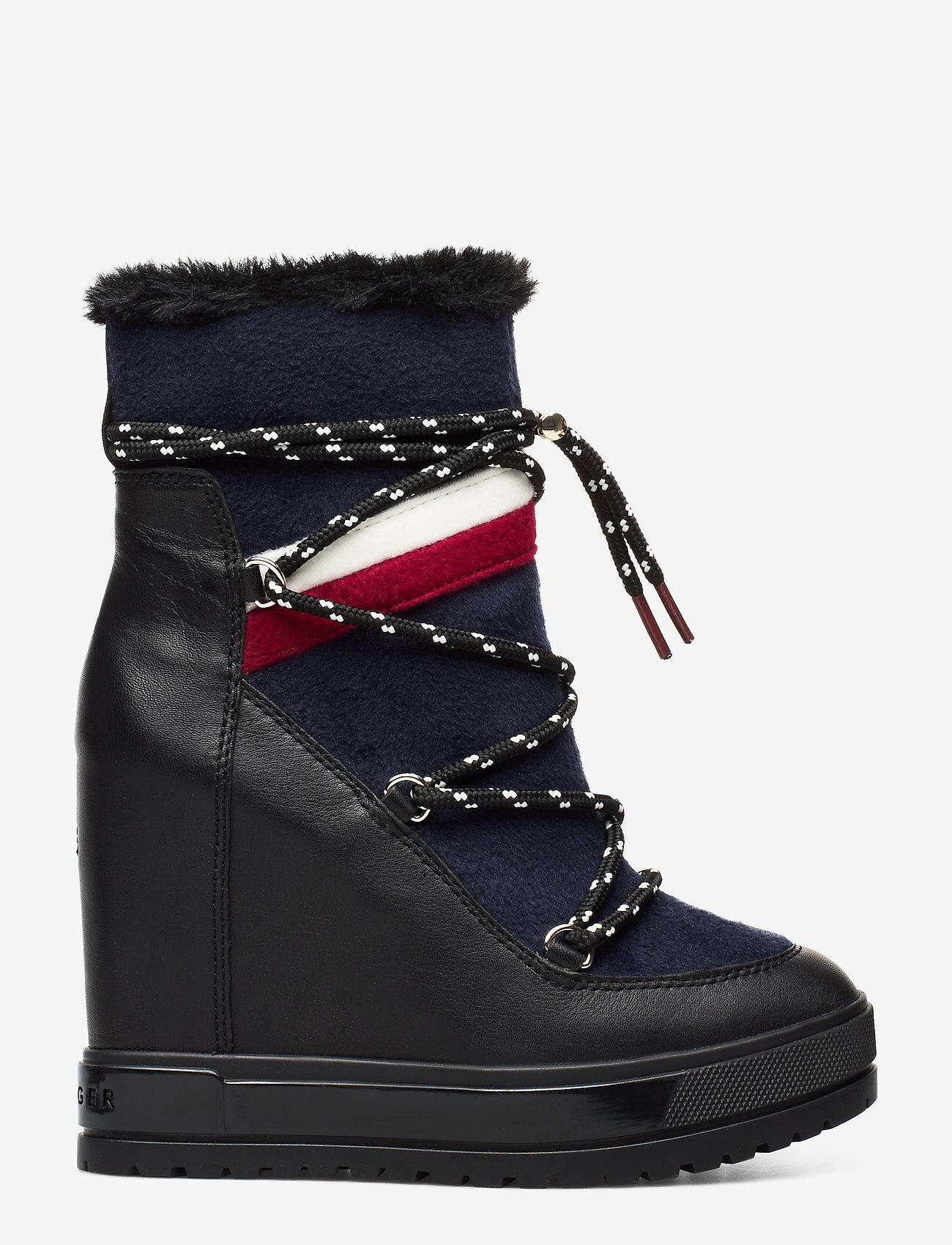 Tommy Hilfiger - MODERN SPORTY WEDGE BOOTIE - ankelstøvletter med hæl - black - 1