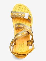 Tommy Hilfiger - LUREX WEBBING STRAPPY SANDAL - flat sandals - florida orange - 3
