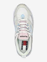 Tommy Hilfiger - WMNS ARCHIVE MESH RUNNER - low top sneakers - ivory - 3