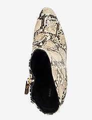 Tommy Hilfiger - SNAKE PRINT BOOTIE - ankelstøvletter med hæl - warm sand - 3