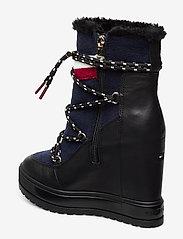 Tommy Hilfiger - MODERN SPORTY WEDGE BOOTIE - ankelstøvletter med hæl - black - 2