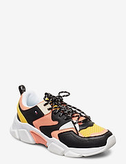 Tommy Hilfiger - LIFESTYLE CHUNKY SNE - low top sneakers - island coral - 0