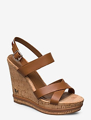 Tommy Hilfiger - CORP LEATHER  WEDGE SANDAL - heeled espadrilles - summer cognac - 0