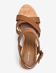 Tommy Hilfiger - CORP LEATHER  WEDGE SANDAL - heeled espadrilles - summer cognac - 3