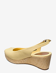 Tommy Hilfiger - ICONIC ELBA SLING BACK WEDGE - wedges - delicate yellow - 2