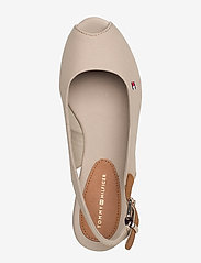 Tommy Hilfiger - ICONIC ELBA SLING BACK WEDGE - sleehakken - stone - 3