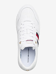 Tommy Hilfiger - TOMMY TAPE LEATHER CUPSOLE - low top sneakers - white - 3