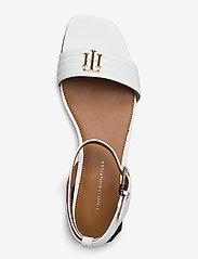 Tommy Hilfiger - TOMMY PADDED FLAT SANDAL - flat sandals - ecru - 3