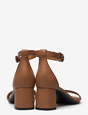 Tommy Hilfiger - ESSENTIAL MID HEEL SANDAL - heeled sandals - summer cognac - 4