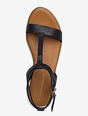 Tommy Hilfiger - FEMININE LEATHER FLAT SANDAL - flat sandals - black - 3