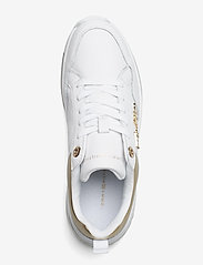 Tommy Hilfiger - CITY AIR RUNNER METALLIC - low top sneakers - white - 3