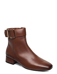 LEATHER SQUARE TOE MID HEEL BOOT - PUMPKIN PARADISE
