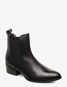 PIN LOGO MID HEEL CHELSEA BOOT - chelsea boots - black