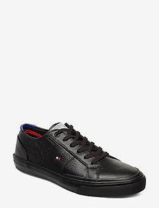 CORE CORPORATE FLAG SNEAKER - lave sneakers - black