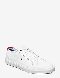 CORE CORPORATE FLAG SNEAKER - WHITE