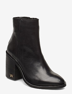 MONO COLOR HEELED BOOT - ankelstøvler med hæl - black