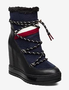 MODERN SPORTY WEDGE BOOTIE - ankelboots med klack - black