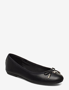 ELEVATED TH HARDWARE BALLERINA - BLACK