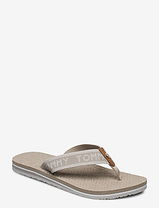 TH EMBOSSED FLAT BEACH SANDAL - klip-klapper - stone
