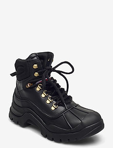 OUTDOORSY TOMMY FLAT BOOT - flat ankle boots - black