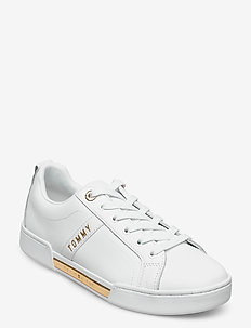 BRANDED OUTSOLE STRAPPY SNEAKER - lave sneakers - white