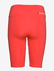 Tommy Sport - KNIT  LONG SHORT LBR - spodenki treningowe - bright vermillion - 1