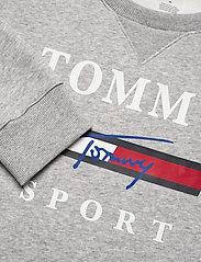 Tommy Sport - GRAPHIC FLEECE CREW - tops - grey heather - 2