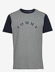 Tommy Hilfiger - CN SS TEE LOGO - kortermede t-skjorter - grey heather - 0