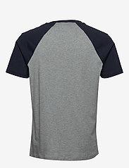 Tommy Hilfiger - CN SS TEE LOGO - kortermede t-skjorter - grey heather - 1