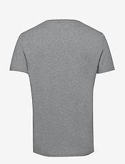 Tommy Hilfiger - CN SS TEE LOGO - short-sleeved t-shirts - grey heather - 1