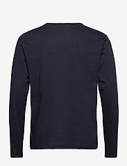 Tommy Hilfiger - CN LS TEE LOGO FLAG - long-sleeved t-shirts - desert sky - 1