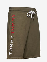 Tommy Hilfiger - TRACK SHORT - casual shorts - army green - 3