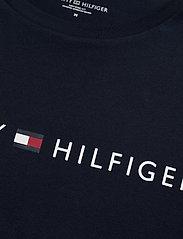 Tommy Hilfiger - CN SS TEE LOGO FLAG - short-sleeved t-shirts - navy blazer - 2