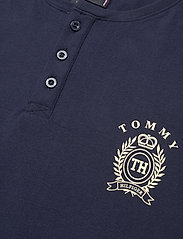 Tommy Hilfiger - HENLEY SS TEE CREST - basic t-shirts - navy blazer - 2