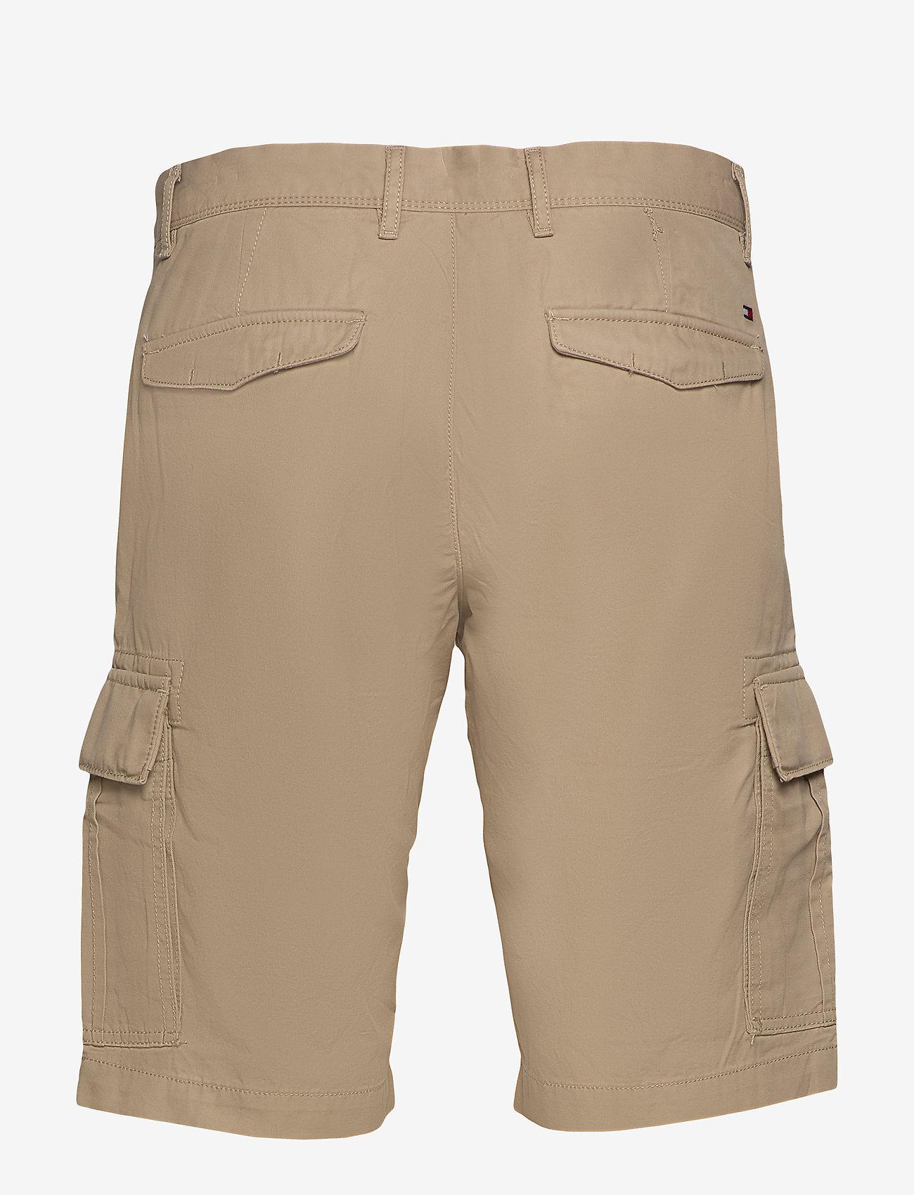 Tommy Hilfiger - JOHN CARGO SHORT LIGHT TWILL - cargo shorts - beige - 1