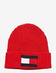 Tommy Hilfiger - BIG FLAG BEANIE - bonnet - barbados cherry - 0
