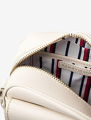 Tommy Hilfiger - CANVAS MIX CAMERA BA - shoulder bags - oatmeal - 4