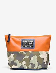 Tommy Hilfiger - TJW POOL BAG WASHBAG - toilettassen - camo mix - 0