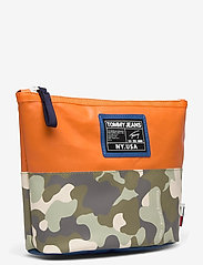 Tommy Hilfiger - TJW POOL BAG WASHBAG - toilettassen - camo mix - 2