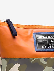 Tommy Hilfiger - TJW POOL BAG WASHBAG - toilettassen - camo mix - 3