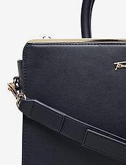 Tommy Hilfiger - TOMMY MODERN SATCHEL - handbags - desert sky - 3