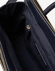 Tommy Hilfiger - TOMMY MODERN SATCHEL - handbags - desert sky - 5