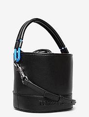 Tommy Hilfiger - TJW FEMME BUCKET BAG - bucket bags - black - 2