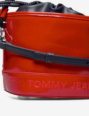 Tommy Hilfiger - TJW FEMME BUCKET BAG CRINKLE - bucket bags - deep crimson - 3