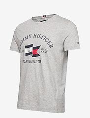 Tommy Hilfiger - FOLDED FLAG TEE - short-sleeved t-shirts - medium grey heather - 2
