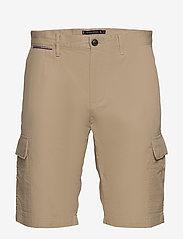 Tommy Hilfiger - JOHN CARGO SHORT LIGHT TWILL - cargo shorts - beige - 0