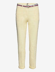 CO TENCEL CHINO SLIM PANT - FROSTED LEMON